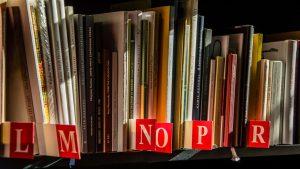 books-1204038_1280